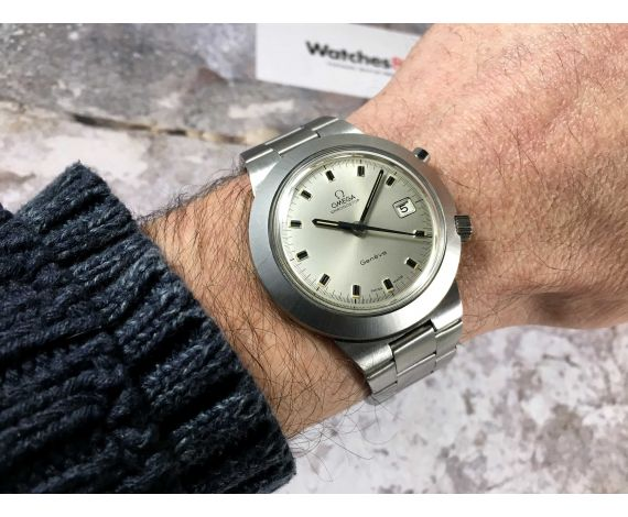 NOS OMEGA GENÈVE CHRONOSTOP UFO Cal 920 Oversize Ref 146.012 Reloj suizo antiguo de cuerda Crono *** NUEVO DE ANTIGUO STOCK ***