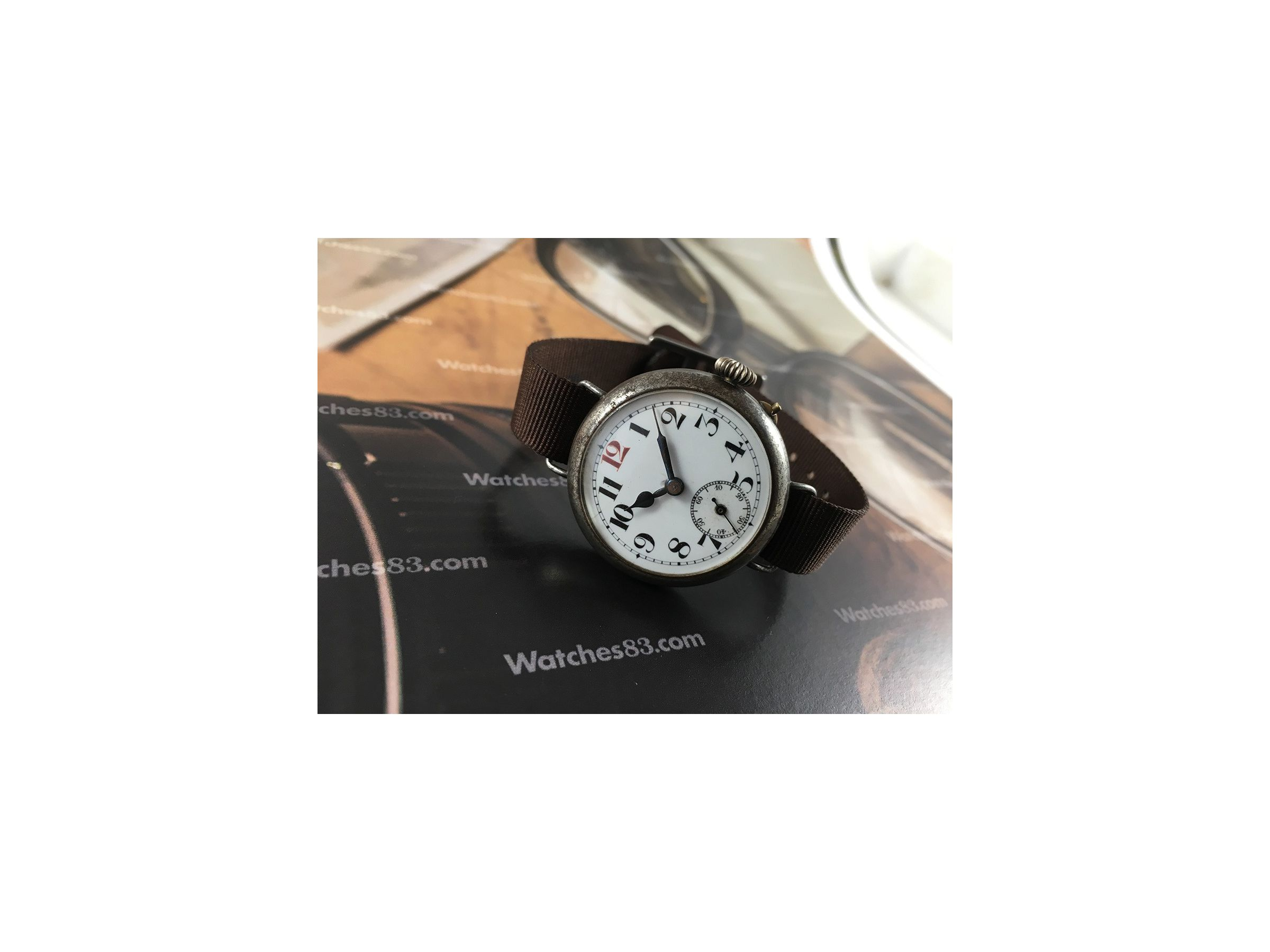 watches modern a vintage in mens khaki the its watchshop wind watch oozes mechanical lot com officer befitting of styling military hamilton slightly hamiltons than gents at smaller history manual